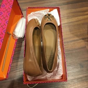 Tory Burch size 5 NEW with box